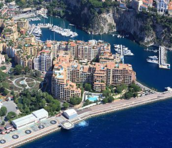 Spacious 2 bedroom flat in Fontvieille, pool