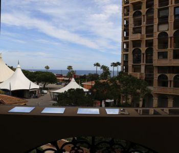 SEASIDE PLAZA - PRESTIGIOUS 3 ROOMS