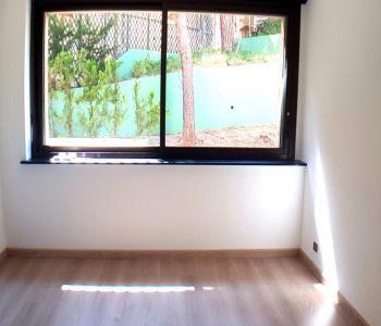 PARC SAINT ROMAN, studio, quiet & good condition