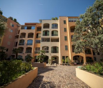 FONTVIEILLE, 1 bedroom flat in very good condition