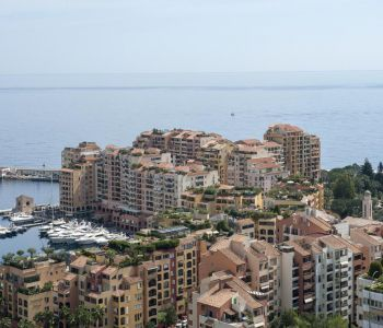 FONTVIEILLE: 1 BEDROOM FLAT WITH PORT VIEW
